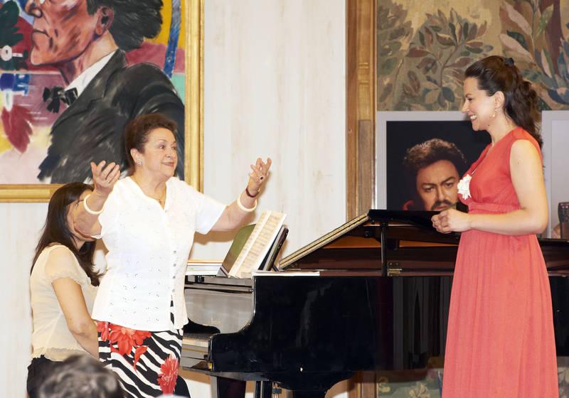 Ileana Cotrubas and Anita Hartig. © Wiener Staatsoper/Michael Pöhn
